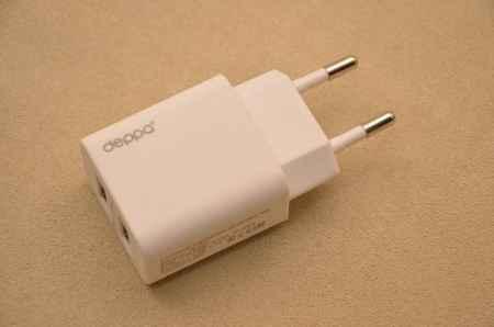 Купить Сетевое зарядное устройство Deppa с двумя USB-выходами (белое)