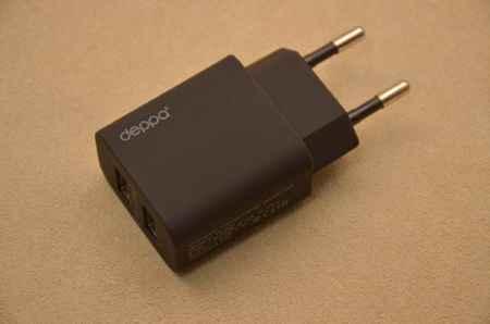 Купить Сетевое зарядное устройство Deppa с двумя USB-выходами (черное)