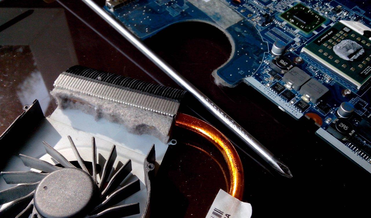 Чистка ноутбука от пыли своими руками - Новости IT 54