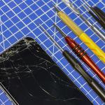 Как заменить дисплей на смартфоне своими руками