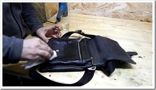 Нанесение акриловой краски и обновление экстерьера сумки