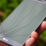 Разбился дисплей телефона: что делать